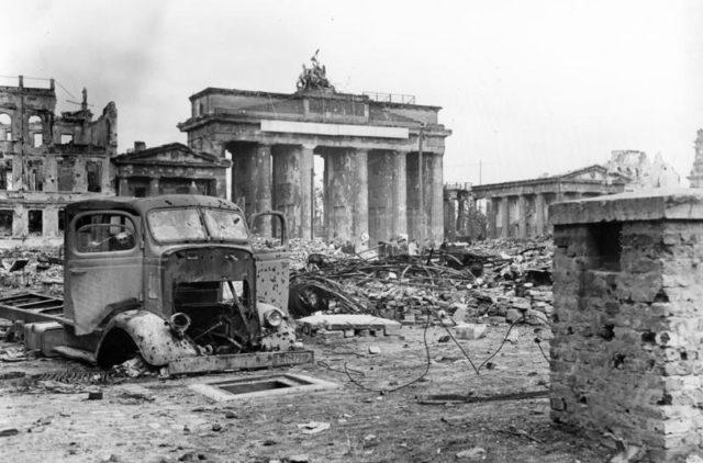 Berlin-1945-Weinrother, Carl