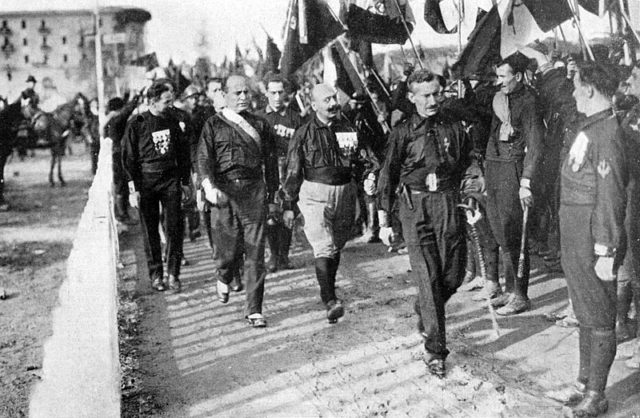Benito Mussolini-and-Fascist Blackshirts-during-the-march