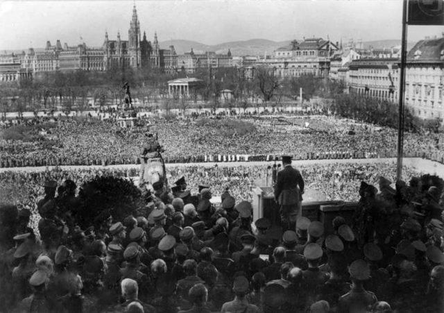 Hitler-announces-the-anschluss-on-the-heldenplatz
